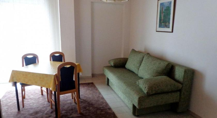 Apartment Novalja 4068c