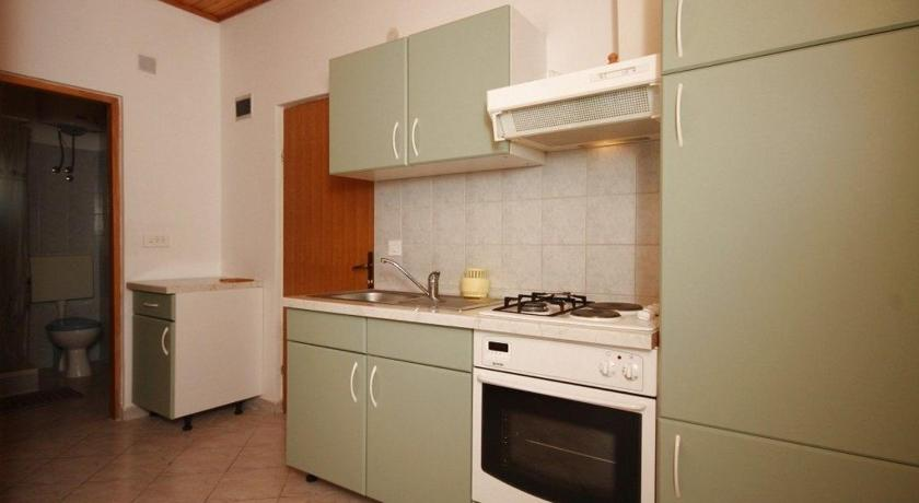 Apartment Metajna 4133e