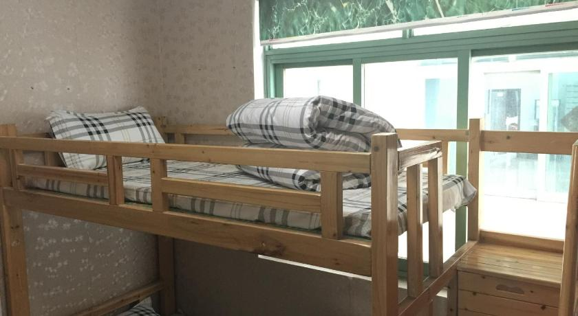 Mainland Chinese Citizens - Bed in 2-Bed Male Dormitory Room with Shared Bathroom  - Seng Gangwanzhijia Inn Kunming