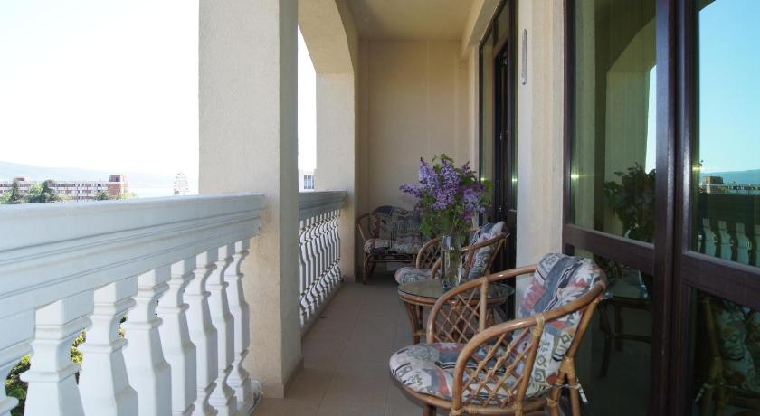 Balcony/terrace Single Apartment in Babylon Aparthotel