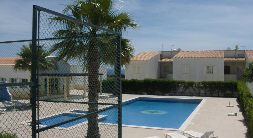 Swimming pool Apartamento Sunny Velamar