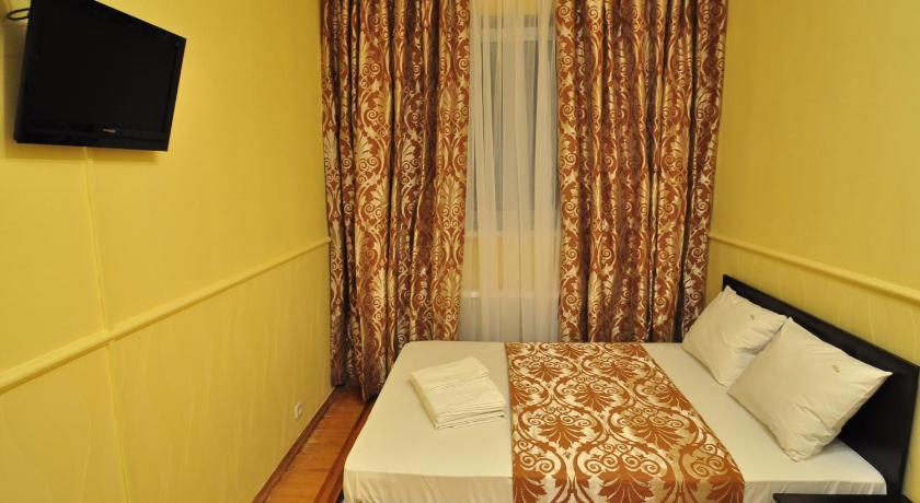 Room With Shared Bathroom - Facilities Status Guesthouse