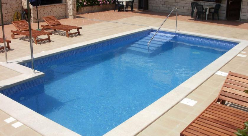 Swimming pool Apartment Veselka A8