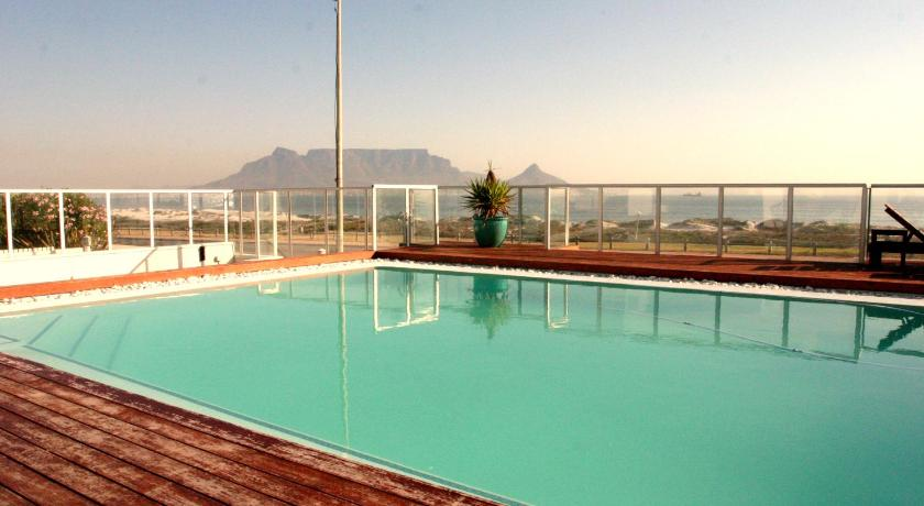 مسبح Cape Town Beachfront Accommodation in Blouberg