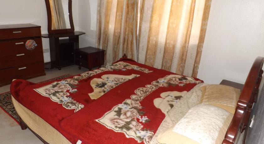 Casa de Dues Habitacions 2 Bedroom Furnished House Kiwatule