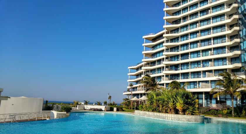 Best price on pearls of umhlanga resort in durban reviews for Cheap resorts in ecr with swimming pool