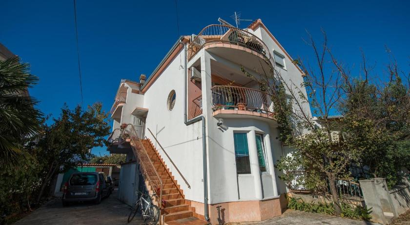 Más sobre Two-Bedroom Apartment in Vodice XX
