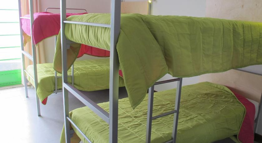 Single Bed in Male Dormitory Room - Lobby PJA - Terceira Youth Hostel