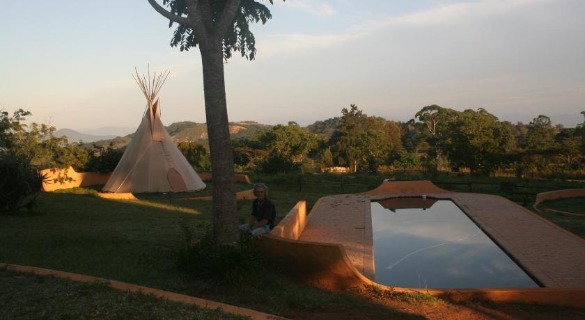 Schwimmbad Tipis Africa Guest Lodge