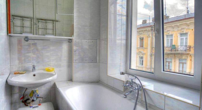 バスルーム One bedroom apartment at 3 Kostelna str, near Independence square