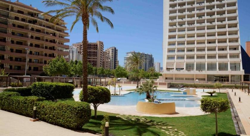 Three-Bedroom Apartment Three-Bedroom Apartment in Alicante with Pool XI
