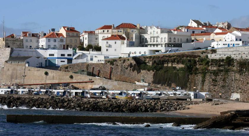 Elegant House in Ericeira's center