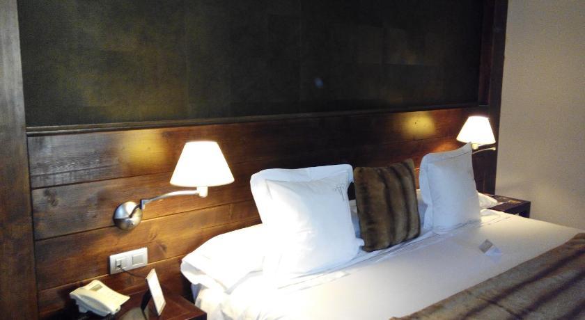 hoteles con encanto en tramacastilla de tena  2