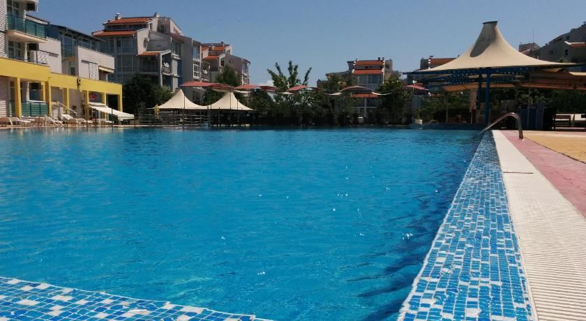 Apartment with pool view - Swimming pool Sandapart Elit 3 Apartments