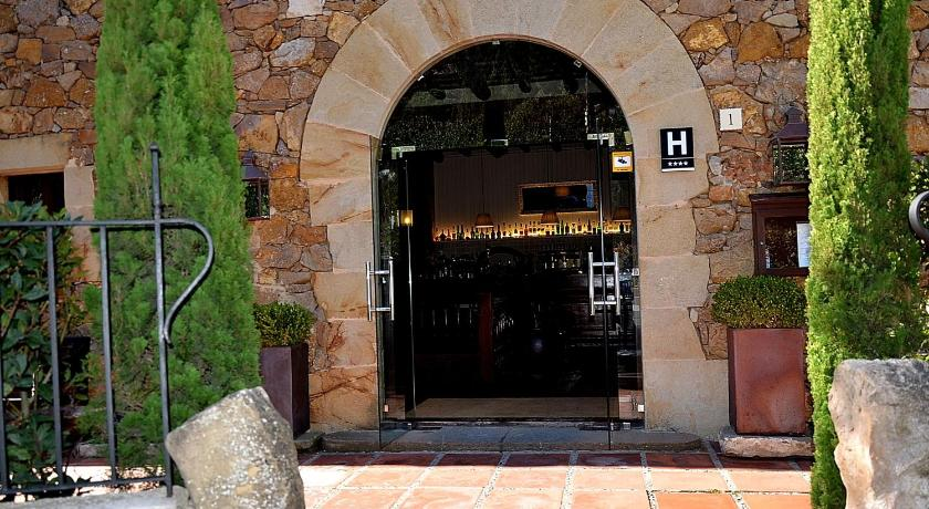 hoteles con encanto en begur  231