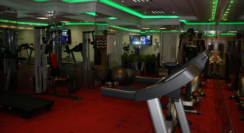 Fitnesscenter Yonge Suites Furnished Apartments