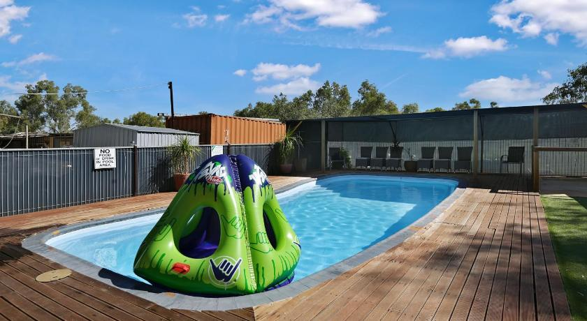 Swimming pool AAOK Moondarra Accommodation Village