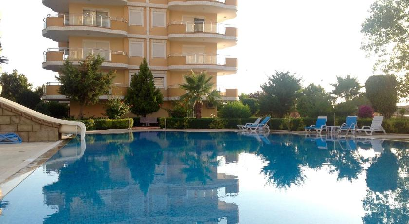 Swimming pool Apartments Marine Holiday