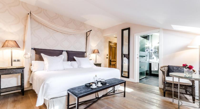 hoteles con jacuzzi en la habitaciÓn en Salamanca  Imagen 42