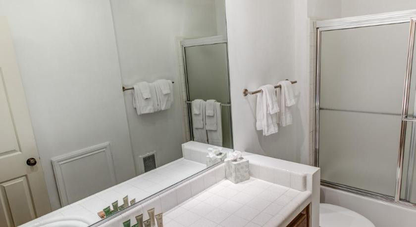 Bathroom Aspen Creek #101 - Two Bedroom Condo