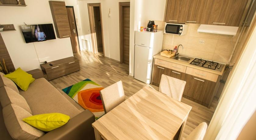 Mamaia Summer Lake View Apartment