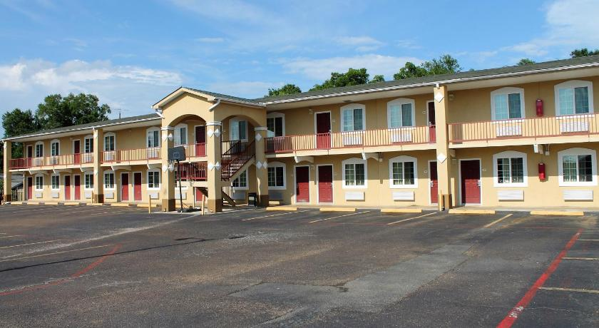 Continental Inn and Suites