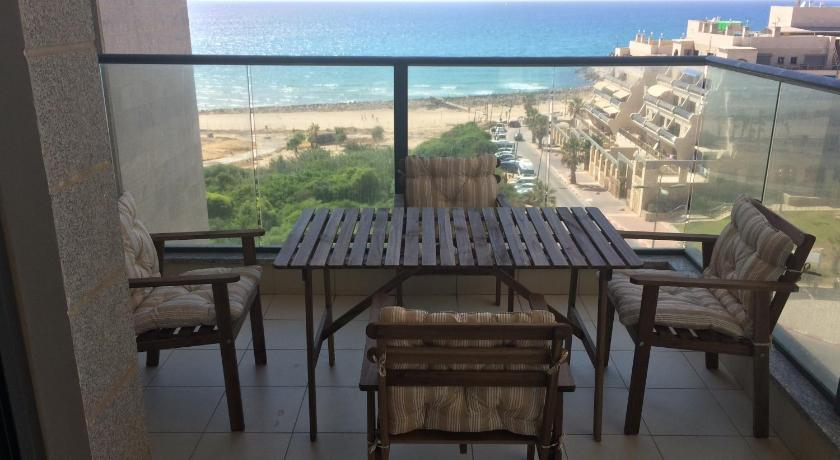 Balcony/terrace Apartment at Yefe Nof
