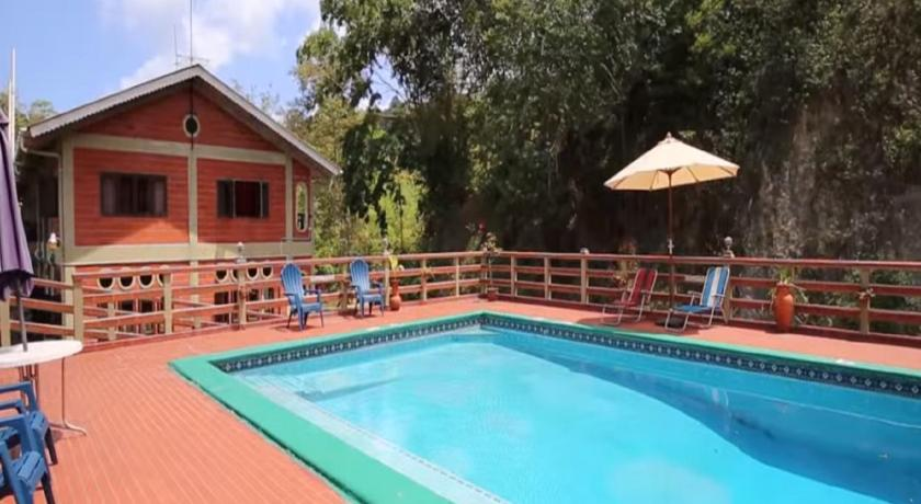 Piscina Cuffie River Nature Retreat