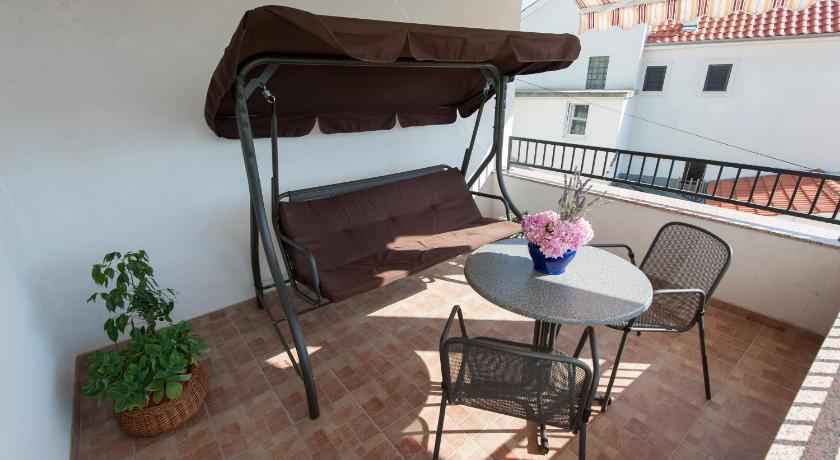 Altan/terrasse Holiday Home Mate