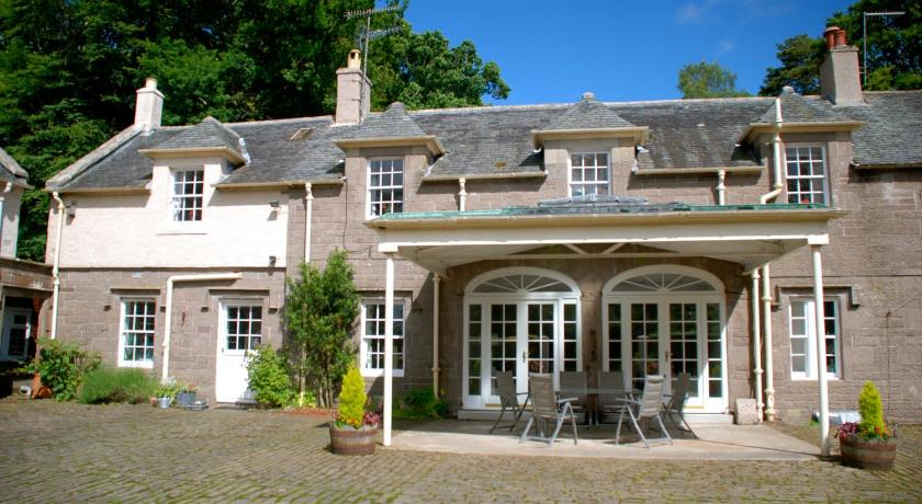 Centre Stables Self Catering Balloch