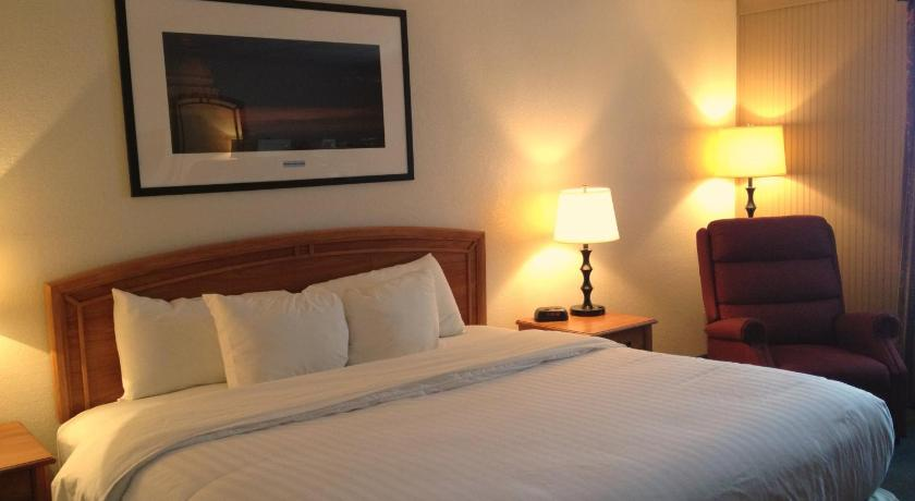 Double with 2 Double Beds - Non-Smoking Truman Hotel & Conference Center