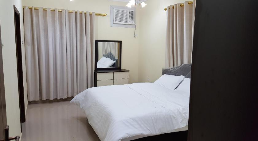 One-Bedroom Apartment - Bed Golden Seasons Furnished Apartment - 2