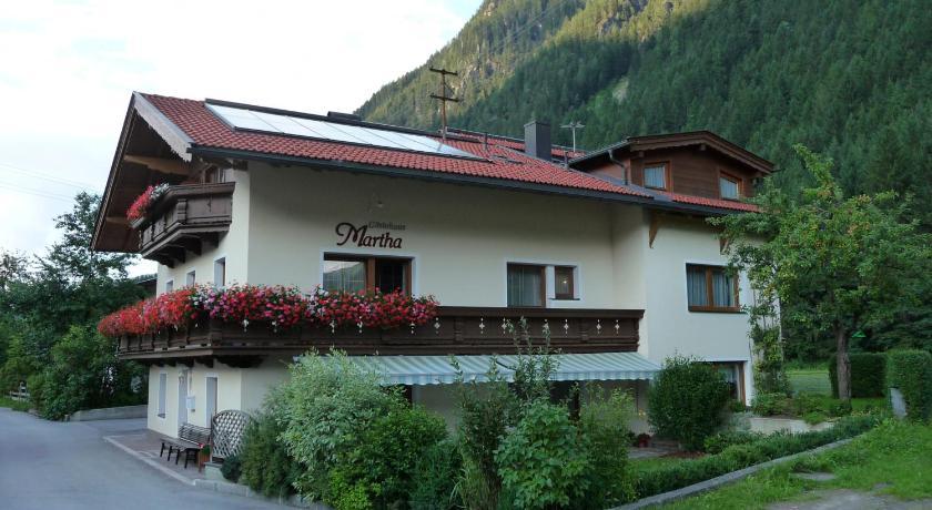 Gästehaus Martha Durst 267 Mayrhofen