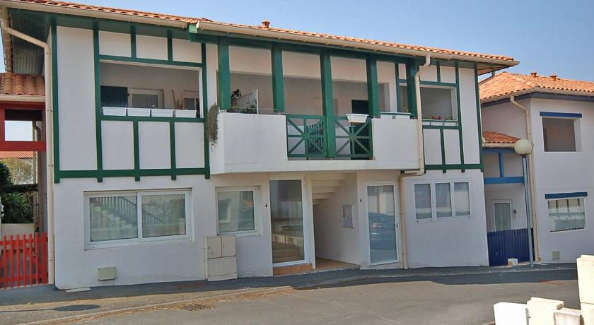 Three-Bedroom Apartment Apartment Lissardy Berri