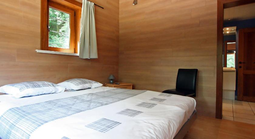 Four-Bedroom Holiday Home Holiday Home Le Bois Preau
