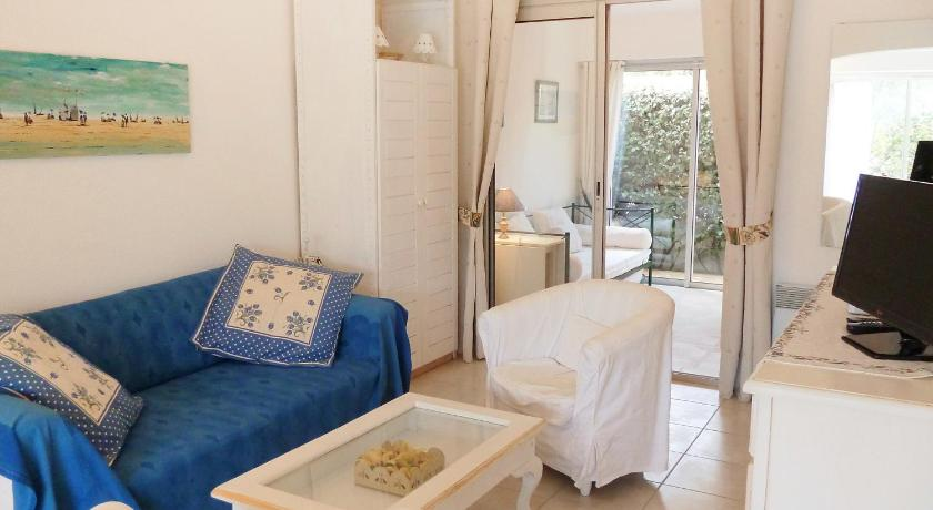 Two-Bedroom Apartment Holiday Home Les Parcs de Gassin.5