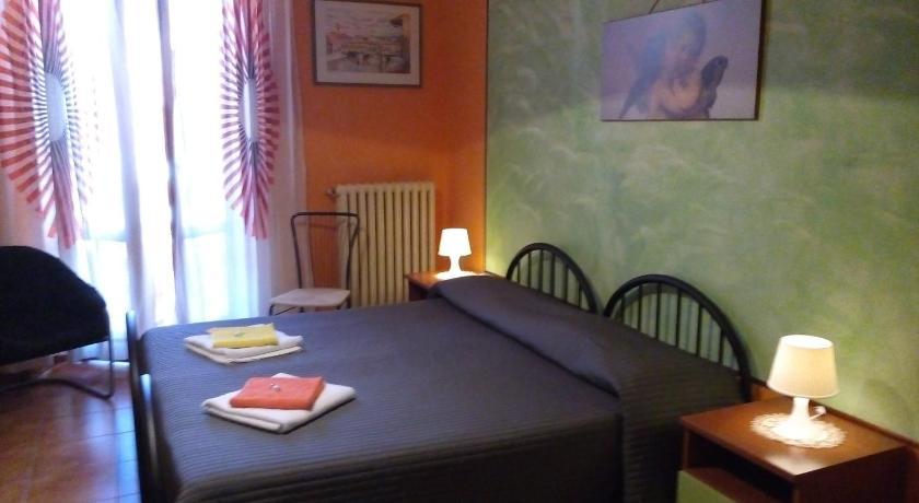 Emejing Soggiorno Petrarca Firenze Photos - dairiakymber.com ...