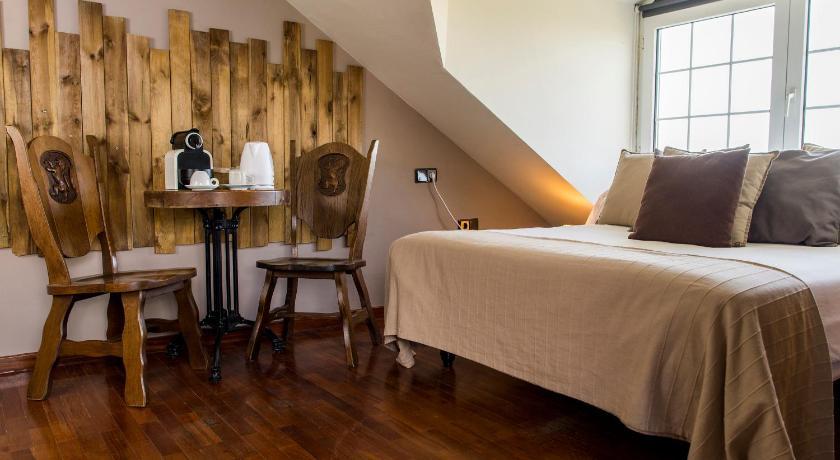 hoteles con encanto en la zubia  186