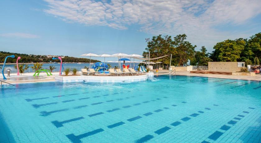 Swimming pool Mediterranean Mobile Homes Village in Camping Lanterna