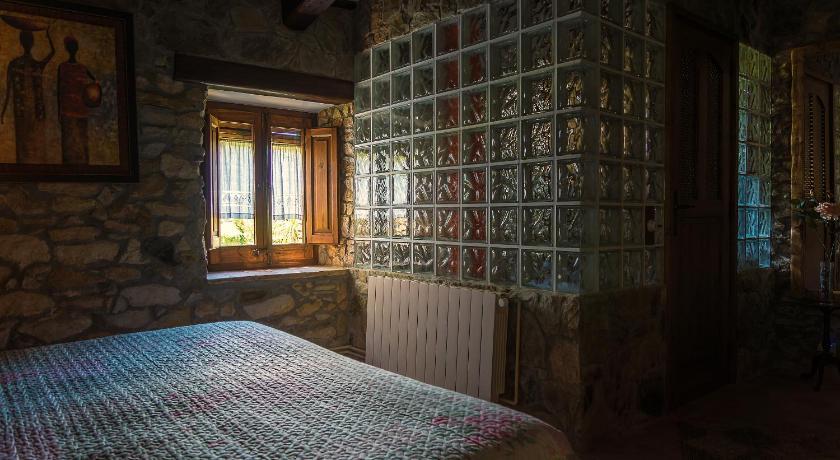 hoteles con encanto en peratallada  96