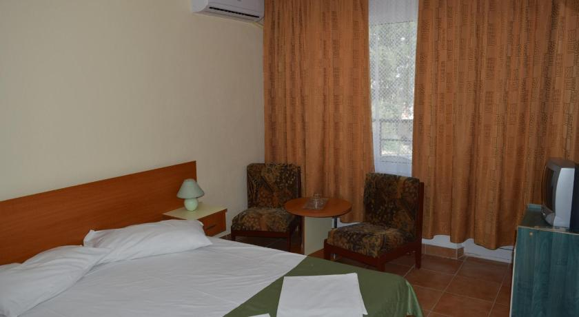 Double Room Ground Floor ** Hotel Cometa