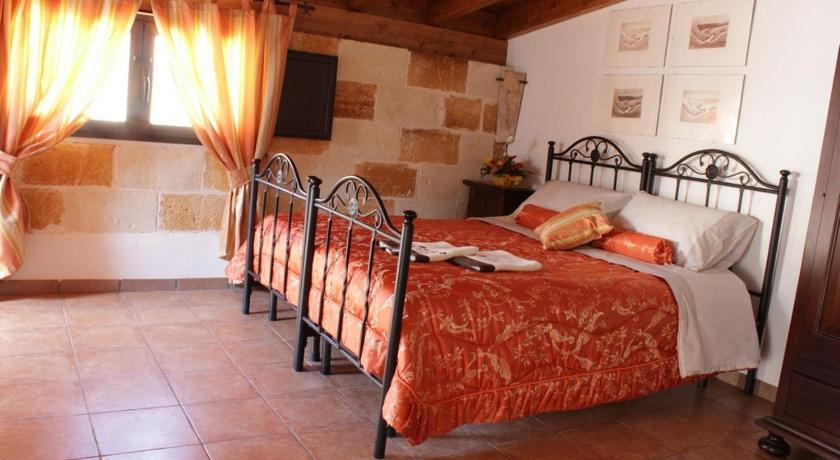 Studio (2 Adults) Exedra Holiday House