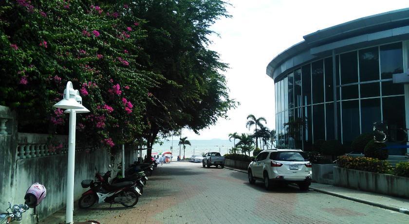 Beach Maxim Garden By Samal