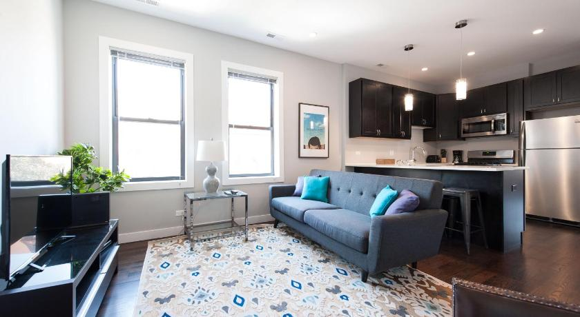 Three-Bedroom on N Damen Avenue Apt 3E