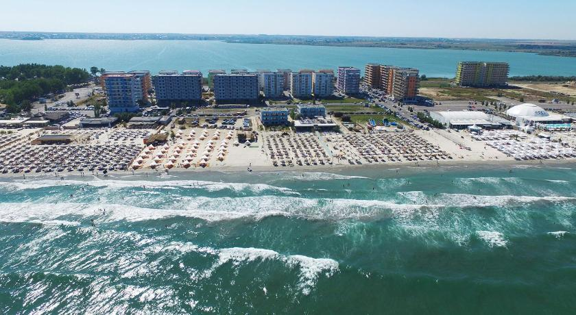 Best price on summerland serviced apartments mamaia in for 7 summerland terrace