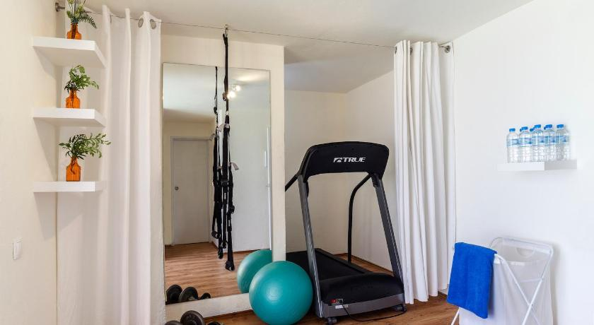 gimnasio Stay Hostel Apartments