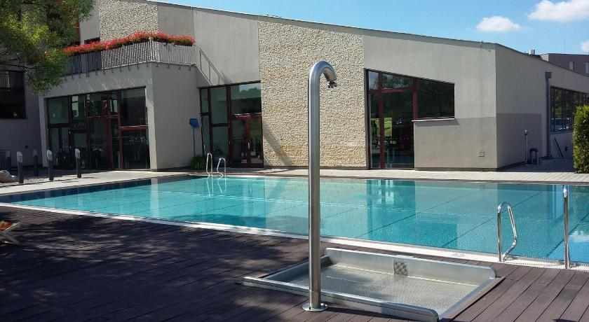 Piscina Hotel Beroun Golf Club