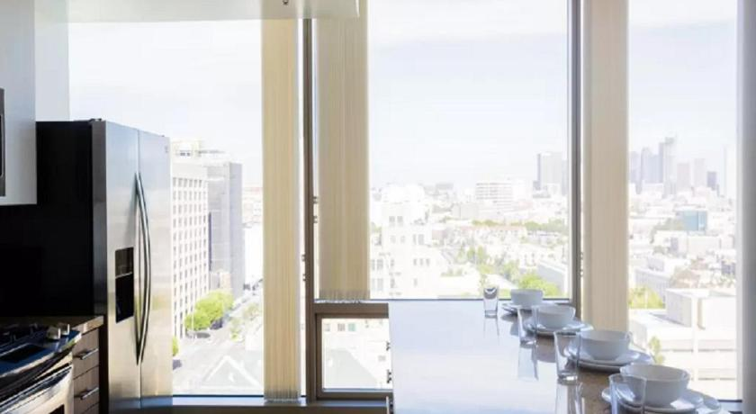 Modern L.A. Dream Home! 2BD&2BA