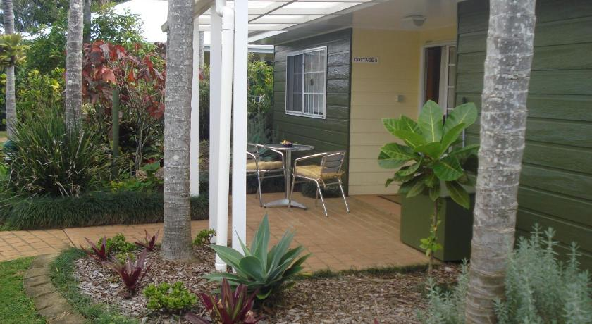 Premier Two-Bedroom Cottage with Car Rental - Hage Shiralee Executive Cottages