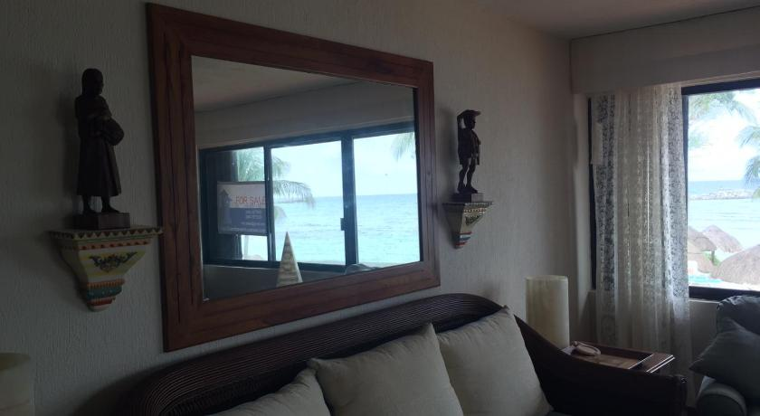 Se alla 30 bilder Beachfront Luxury 2 BR